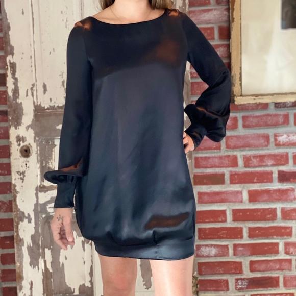 Alexander McQueen Dresses & Skirts - Alexander McQueen Black Cocktail Dress